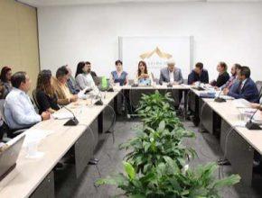 Realizan mesas de trabajo sobre iniciativas en materia de salud bucodental e integración de grupos parlamentarios