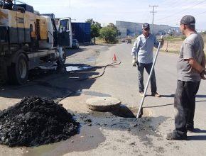 Obras Públicas desazolva  pozos y limpia drenaje de las comunidades de Silao