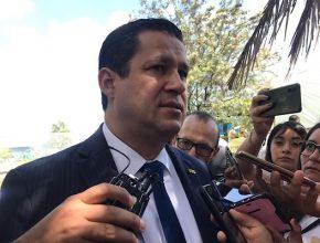 Gobernador no descarta la deuda para hacer frente a los recortes de la federación